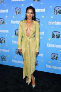 Candice Patton Attends Entertainment Weekly' 2019 Comic