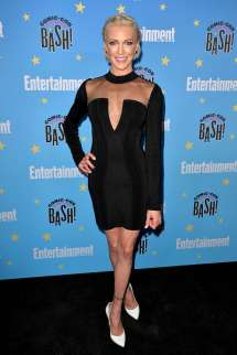 Katie Cassidy Attends Entertainment Weekly' 2019 Comic