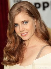 stunning hairstyles of amy adams