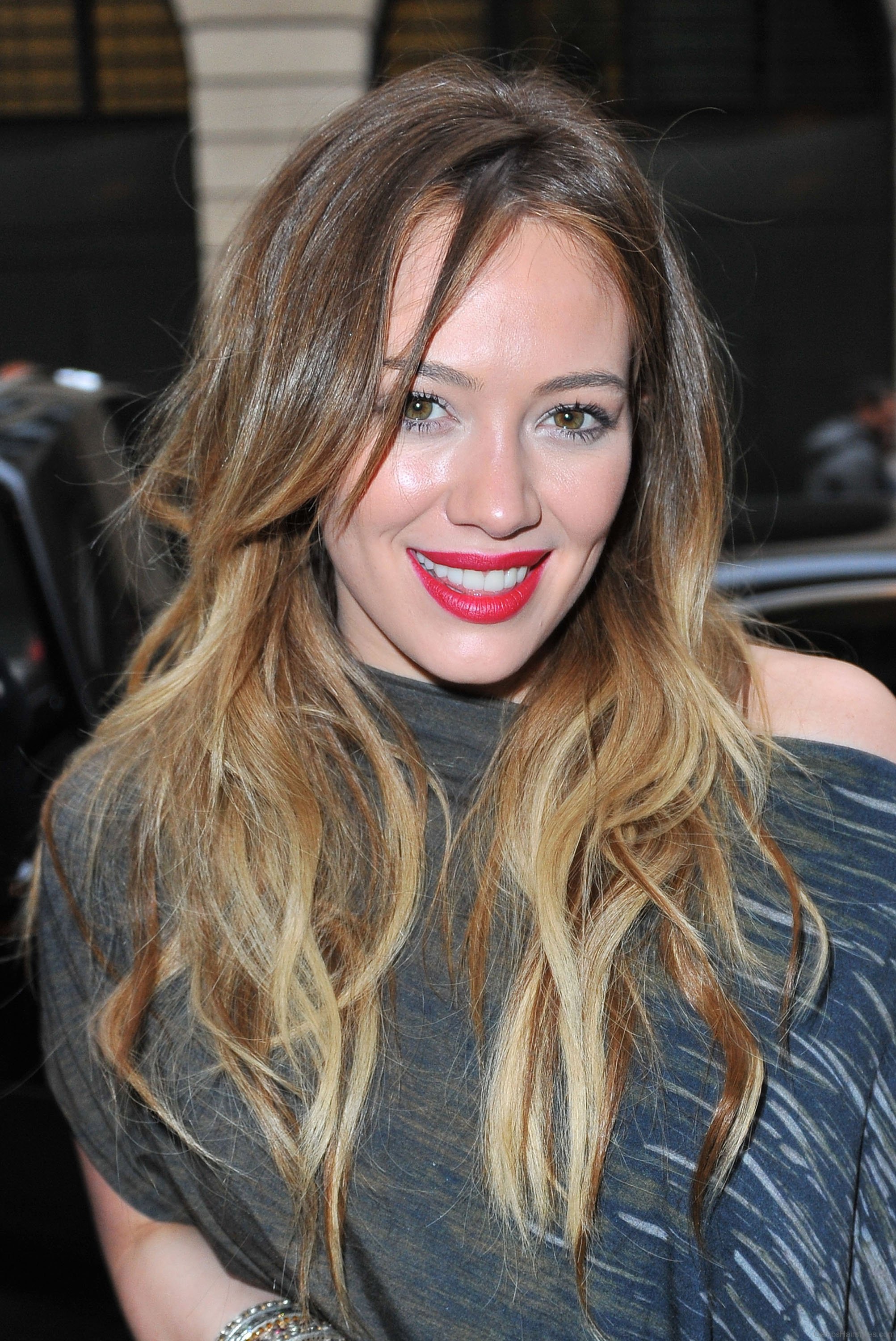 38 Magnificent Hairstyles Of Hilary Duff
