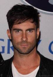 funky hairstyles of adam levine