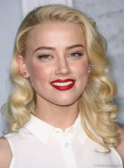 lovely hairstyles of amber heard