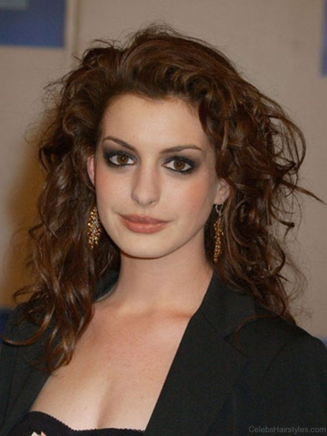 55 fantastic hairstyles of anne hathaway
