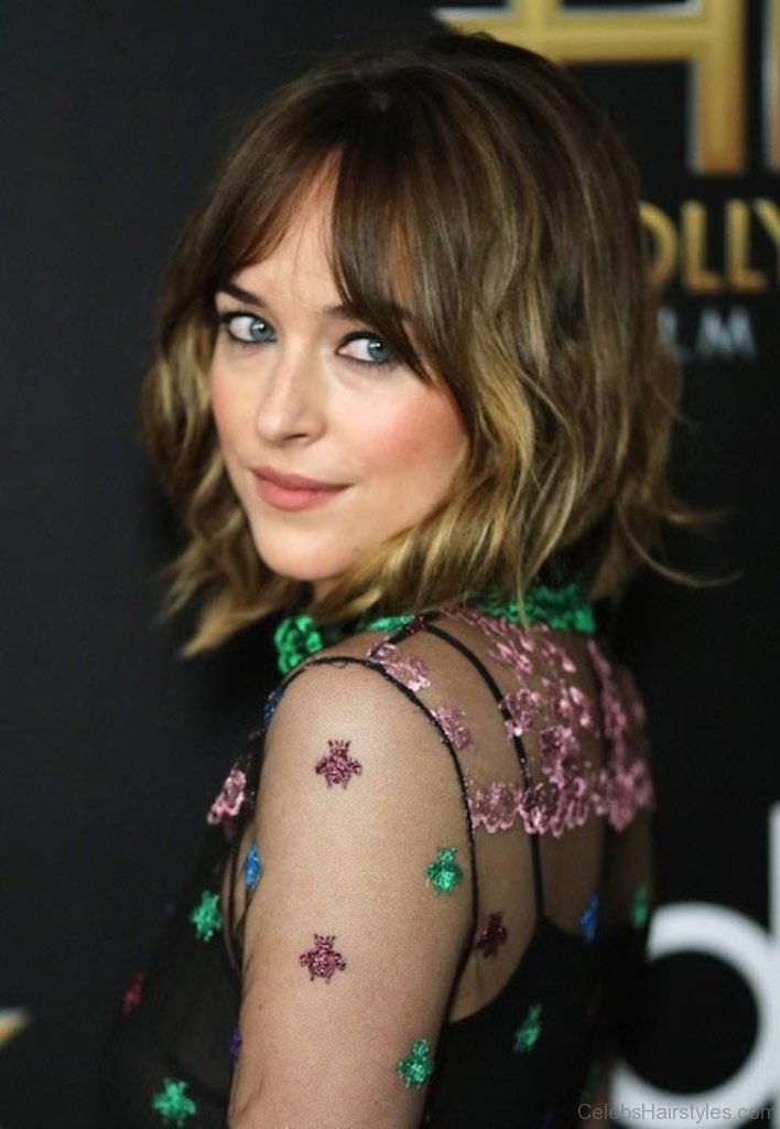 40 Classic Hairstyles Of Dakota Johnson