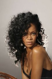 attractive hairstyles of rihanna