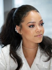 stylish haircuts of rihanna