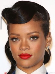 fantastic hairstyles of rihanna
