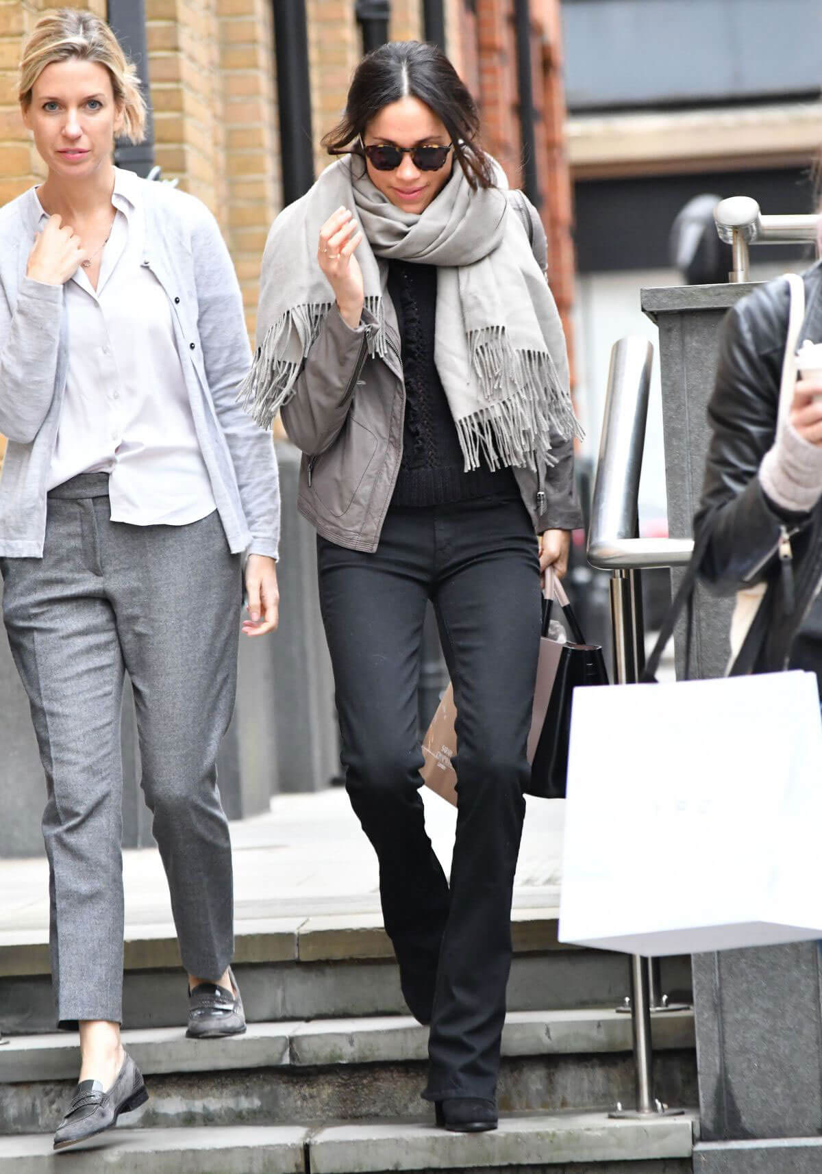 Meghan Markle Stills Out Shopping in London Photos 154765