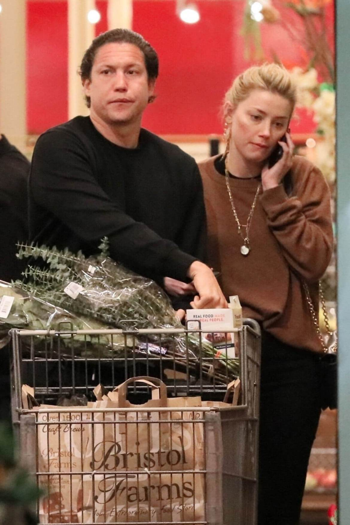 Amber Heard and Vito Schnabel Out Shopping in Los Angeles 2018/12/21