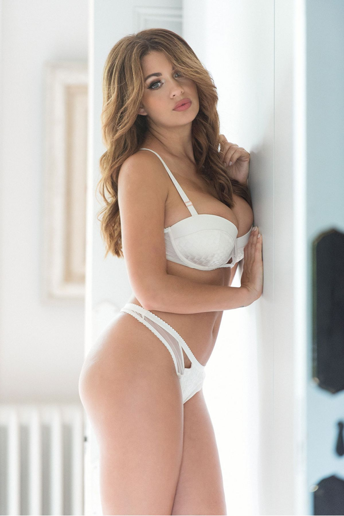 Holly Peers  Page 3  8th october 2016  Celebzz