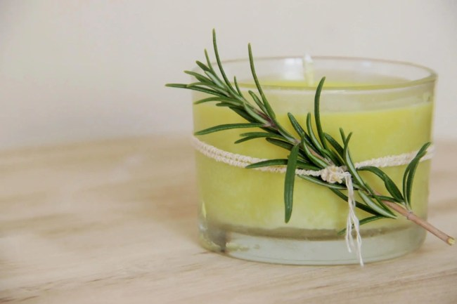 Apprenez comment réaliser une bougie parfumée naturelle et végétale (DIY)