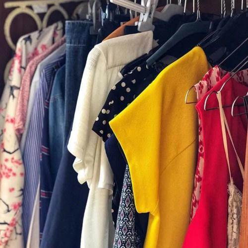 Comment composer un dressing minimaliste? Interview pour Canal Zoom