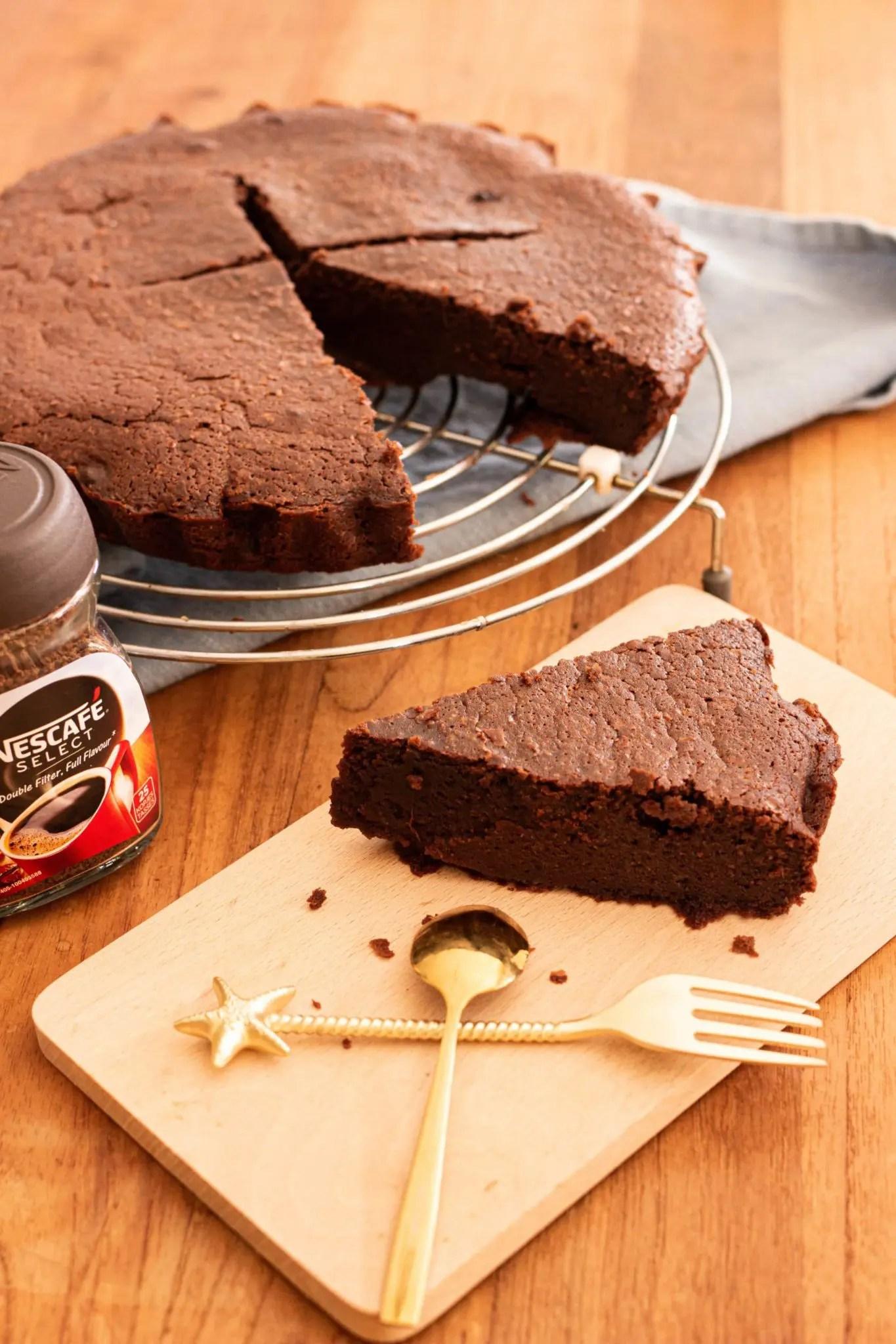 Le meilleur gâteau au chocolat moelleux du monde (recette facile)