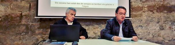 Presentación de la conferencia «L'aigua i la pedra seca: de les Garrigues a la Llitera» (foto Pep Espluga)