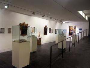 Sala de la exposición «Jubileo Escolapio» en el Museo Diocesano de Barbastro (foto Víctor Bayona)