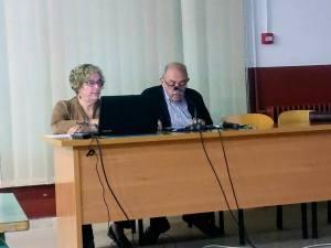 Emilio Manrique durante la conferencia «La alfarería de la Litera, un rico patrimonio cultural» (foto Víctor Bayona)
