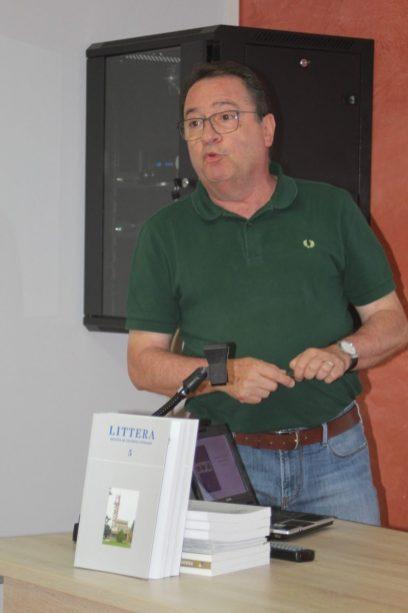 Joan Rovira en la presentación de LITTERA 5 en Alcampell (foto Sebastián Agudo / La Litera información)