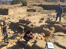 Trabajando en la cuarta campaña de excavaciones en Els Castellassos (3) (foto equipo de excavación)