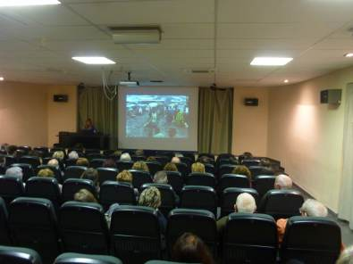Un momento de la conferencia «La fotografía: el mundo en imágenes» (foto Ana Enjuanes)