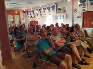 Público siguiendo la conferencia «El parque geológico y minero de la Litera y la Ribagorza» (foto Imma Gracia / La Litera información)