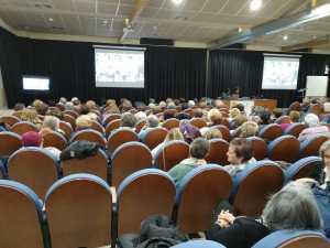 Un momento de la conferencia «El consultorio de Elena Francis en la Litera» en Binéfar (foto Sebastián Agudo / La Litera información)