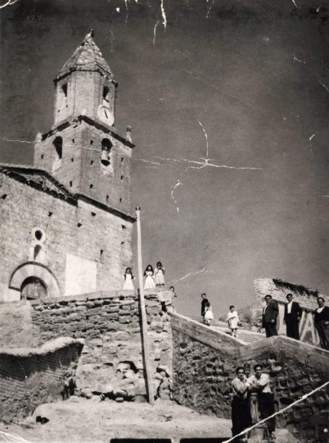 Esplús, 1957: iglesia (foto Mario Heras, colección Víctor Bayona, depositario CELLIT)