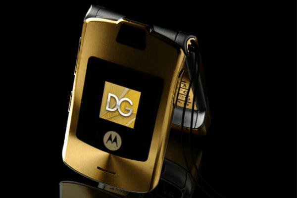 MOTORAZR V3i by Dolce & Gabbana