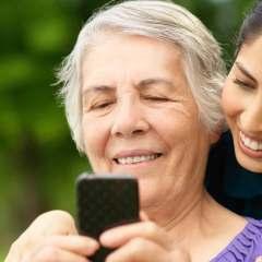 Smartphone per anziani: come sceglierlo