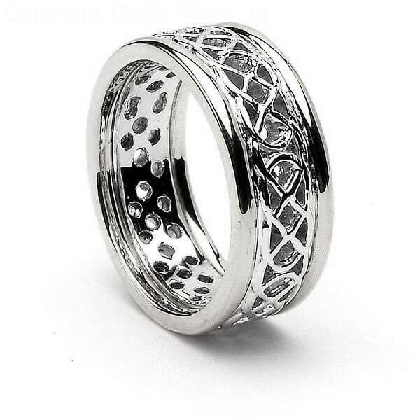 Durchbohrter keltischer Knotenring mit Trim  Celtic Rings Ltd