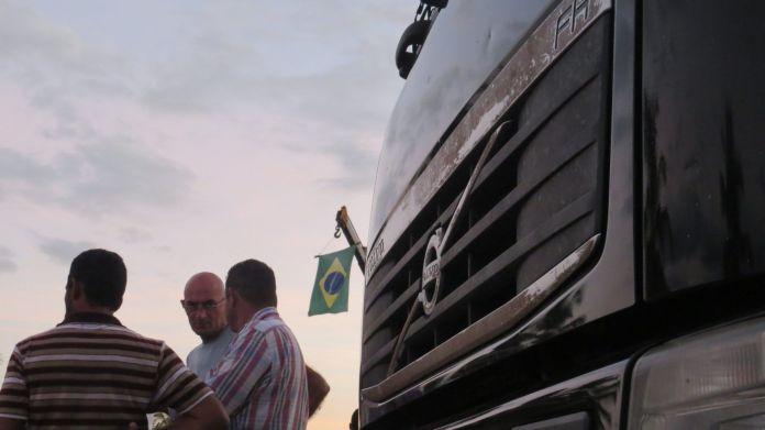 Caminhoneiros aguardam ansiosos para serem prioridade no plano de vacinação contra a Covid-19