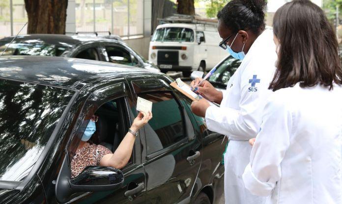 vacina drive-thru