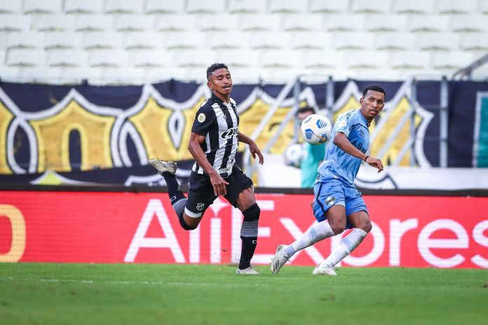 Grêmio joga mal na estreia