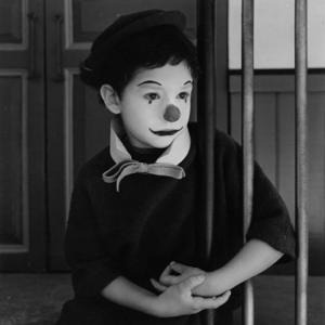 Livreto-CIN-Pierre-Etaix-legenda-Filme-Yoyo-crianca-418x418