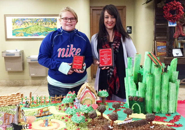 Gingerbread House Best of Show 2015_1449520605260.jpg