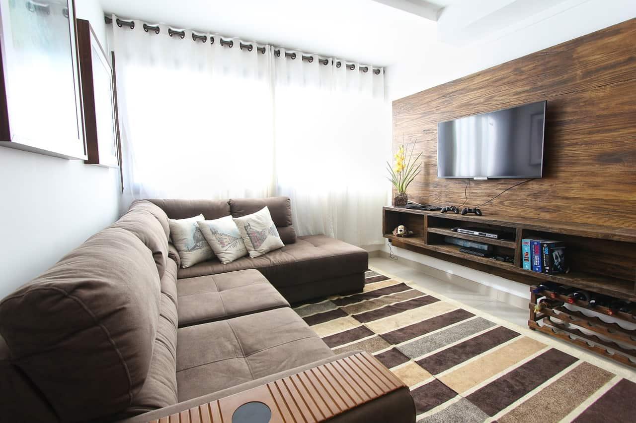 Per valorizzare un taglio contemporaneo si potranno acquistare tende soggiorno moderne, che possono presentarsi in modelli rigidi o morbidi, a seconda delle diverse esigenze che si possono presentare. Ad Ogni Soggiorno La Sua Tenda Centarr