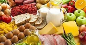 Cuídate de estos alimentos que causan mal aliento