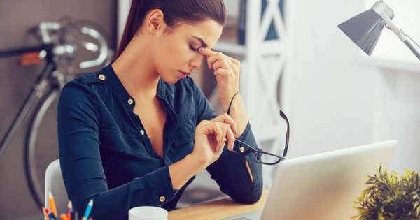 Lentes de contacto y dolores de cabeza