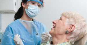 ¿Se puede diagnosticar la osteoporosis en el consultorio dental?