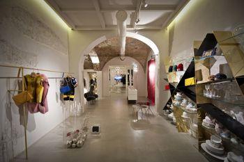 Drappospaziocreativo concept store a Crevalcore  Bologna