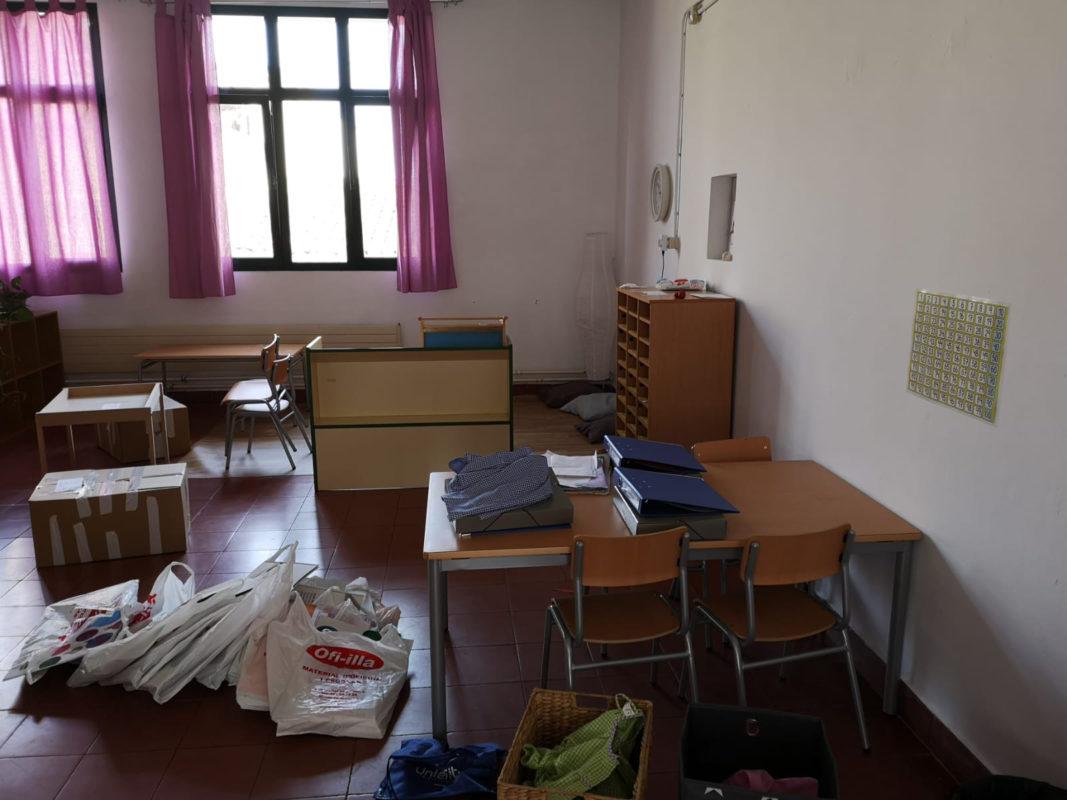 Desallotgen L'escola De Sa Torre Per Una Plaga De Formiga Blanca Que En Posava En Perill L'estructura