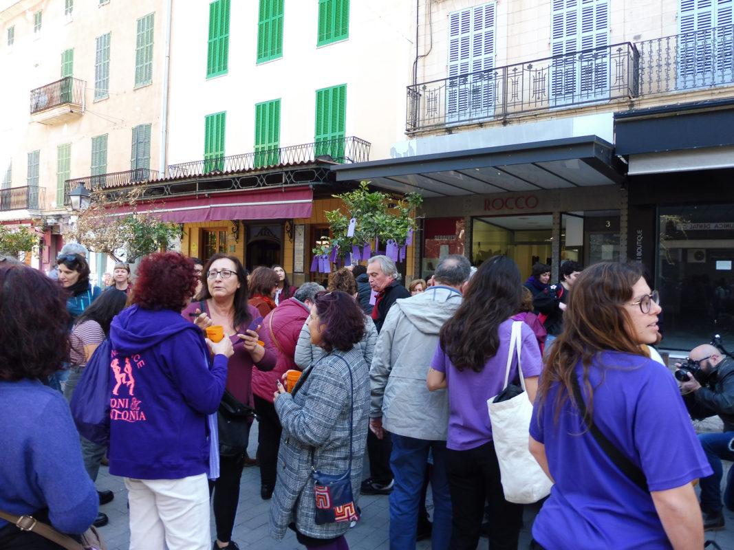 """Els Col·lectius Feministes De Manacor Preparen Per La Vaga Del 8 De Març  Amb """"mil Motius"""""""