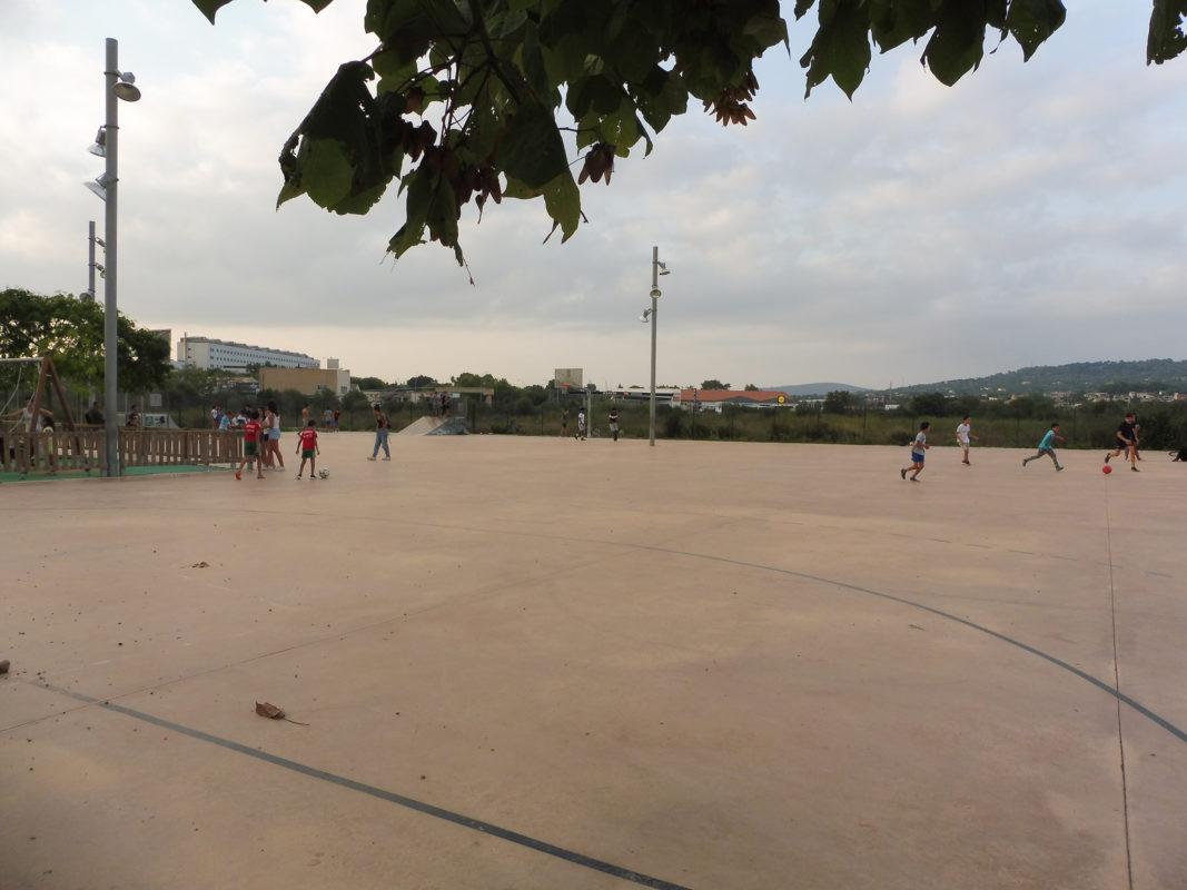 Esport Infantil: Activitats Extraescolars, Joc A L'espai Públic I Integració A Manacor