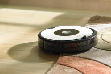 iRobot หุ่นยนต์ดูดฝุ่น รุ่น Roomba 605