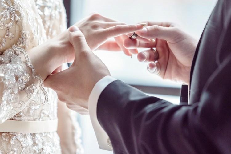 เลือกแหวนแต่งงานให้ถูกใจคู่รัก