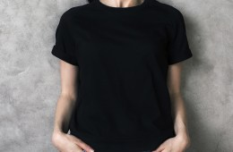 เสื้อยืดสีดำแจกฟรี
