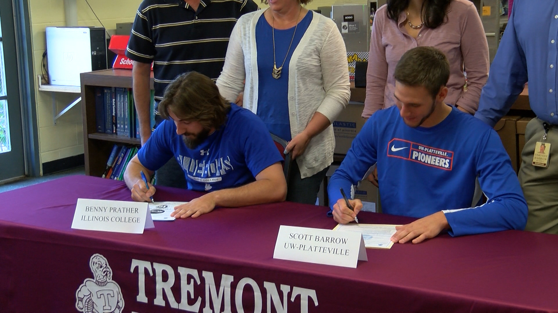 Tremont FB players sign_1462593056217.jpg