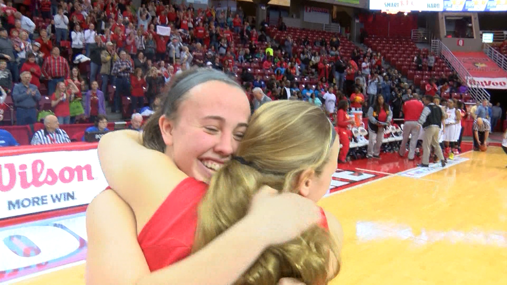 Morton girls celebrate title_1482556080566.jpg