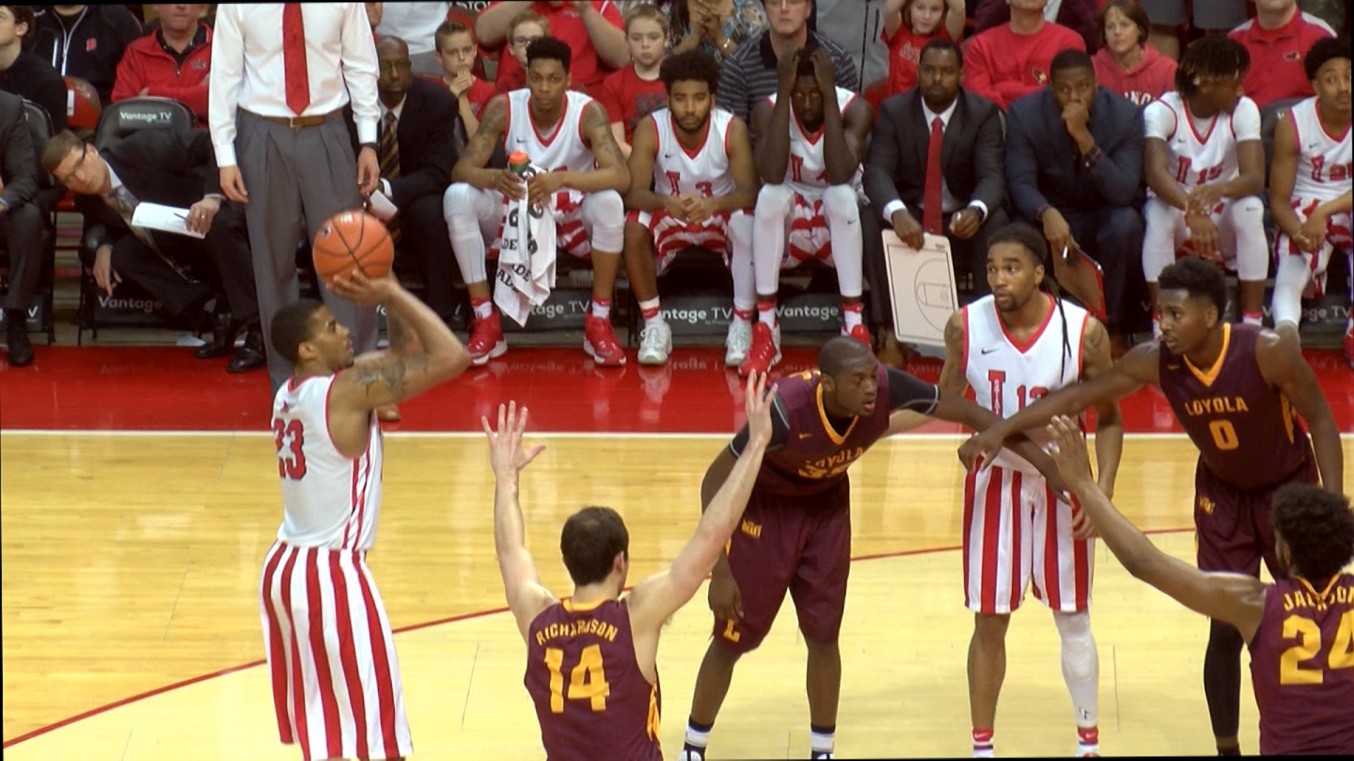 Deontae Hawkins hits go-ahead free throw vs. Loyola