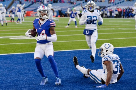 Bills beat Colts 27-24 for 1st playoff win in 25 years   CIProud.com