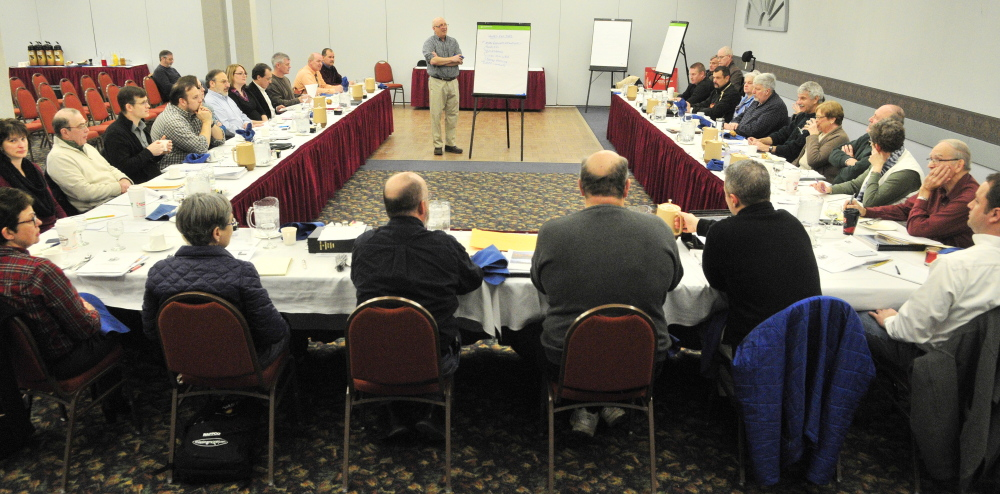Frank O'Hara leads a discussion Saturday during an Augusta City Council goal-setting session at the Augusta Civic Center.